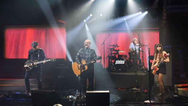 Pixies_Colbert_9-4-19_0551 (1)_hi