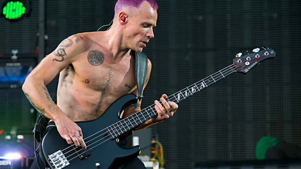 013114-NFL-rhcp-flea-performs-ahn-PI