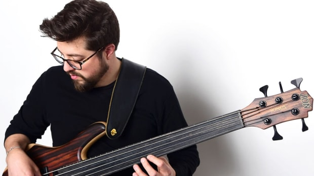 BassistVocalist-Jeff-Densons-22Outside-My-Window22