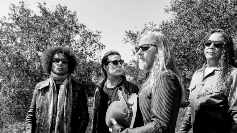 Alice in Chains Announce Summer Tour With Korn
