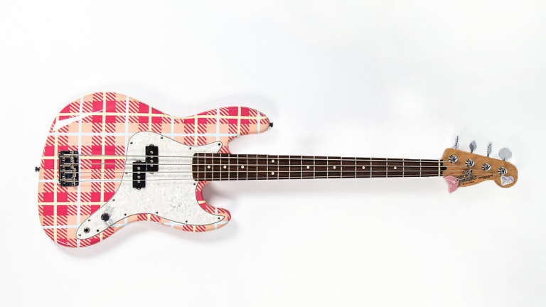 Mark Hoppus Auctions Bass on Reverb for Charity