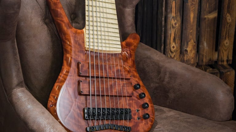 Watch The Making of The Warwick Corvette 9-String Bubinga Bass