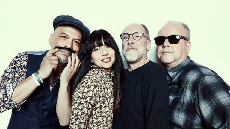 "Pixies Announce Limited Edition Vinyl of ""Hear Me Out""/""Mambo Sun"""