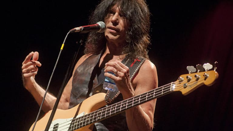 Rock 'n' Roll Fantasy Camp Presents Masterclass with Rudy Sarzo