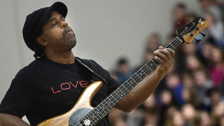 Victor Wooten and the Wooten Brothers Offer Holiday Special Live Stream