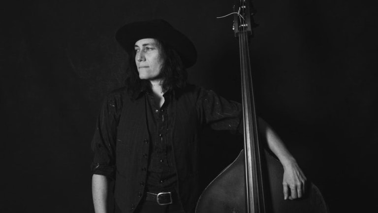 Bassist Melissa Carper to Release Album 'Daddy's Country Gold'