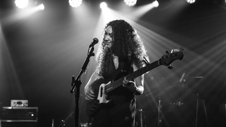 """Tal Wilkenfeld Releases New Video For """"Killing Me"""" (Watch)"""