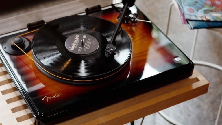 Fender Releases Their First High-Performance Turntable