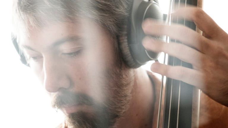 French Bassist Théo Girard to Release Live Album 'Pensées Rotatives'