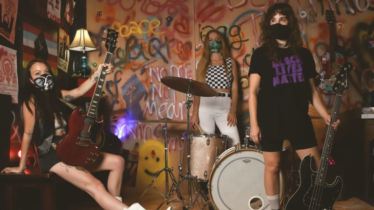 """Punk Trio Egg Drop Soup Releases New Single """"Or Durves"""""""