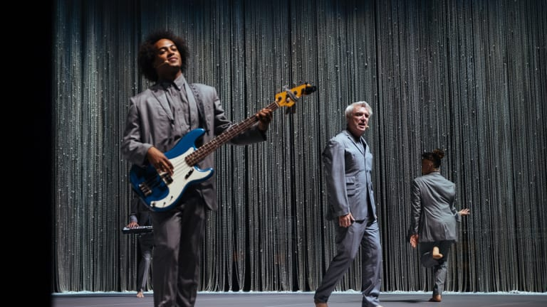 """David Byrne's """"American Utopia"""" to Play Broadway With Bobby Wooten on Bass"""