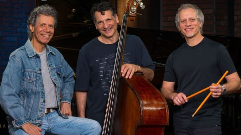 Chick Corea Posthumously Releases Album With His Akoustic Band Featuring John Patitucci