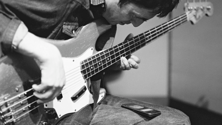 Transcription: Learn Colin Greenwood's Radiohead Bass Lines