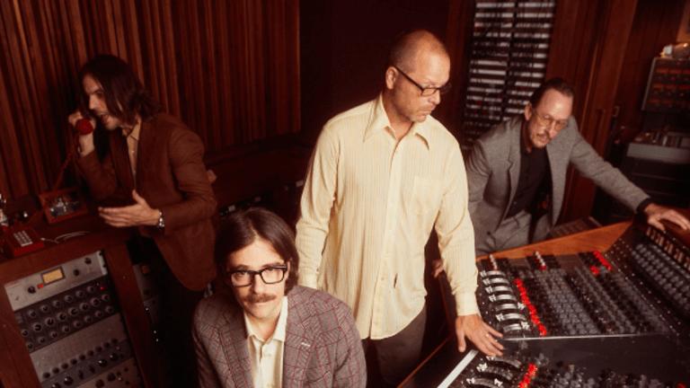 "Weezer Release New Single ""All My Favorite Songs"" (Watch)"