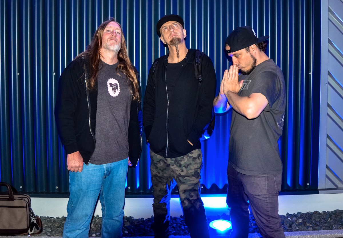 Scott Reeder (Kyuss, Fireball Ministry), Shavo, and Nick Schendzielos (Havok) at the Warwick Factory. Photo by Jon D'Auria