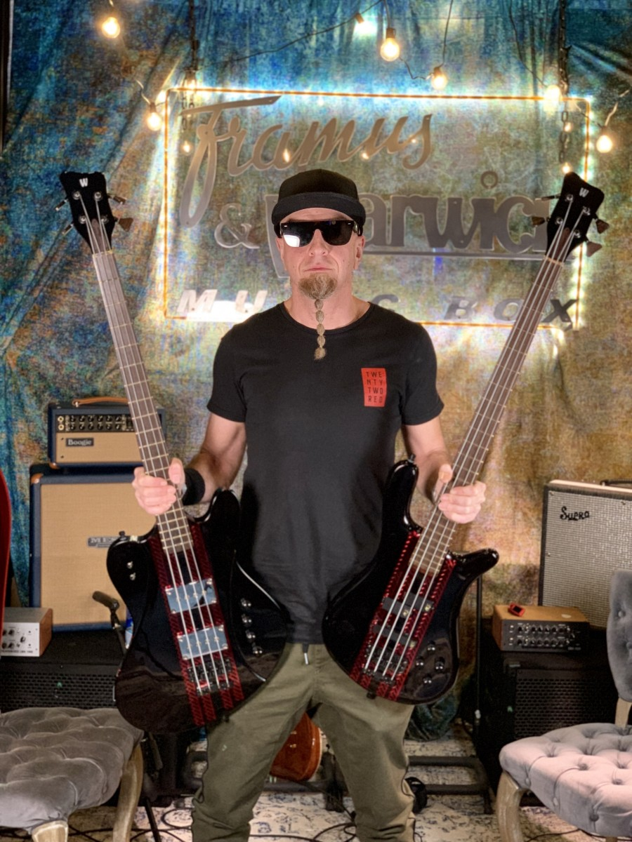 Shavo with his new Wariwck Idolmaker and Streamer Signature series basses.