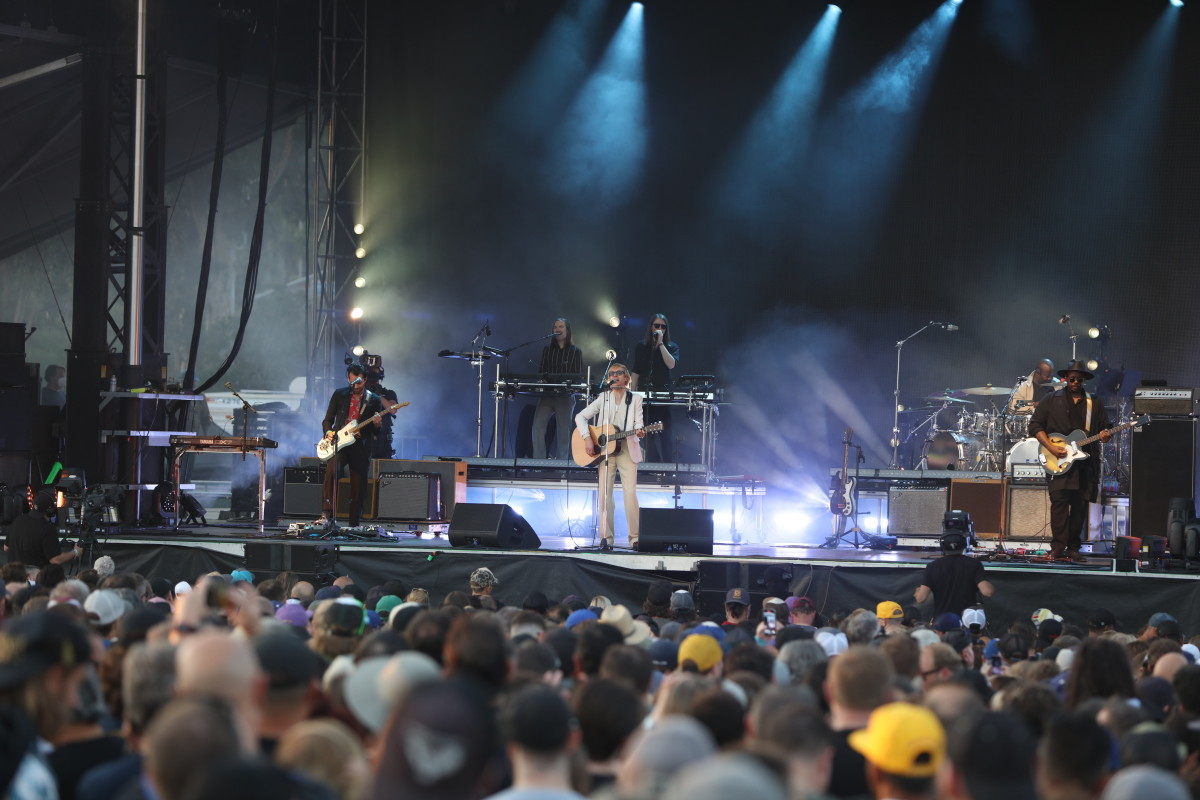 Beck performing