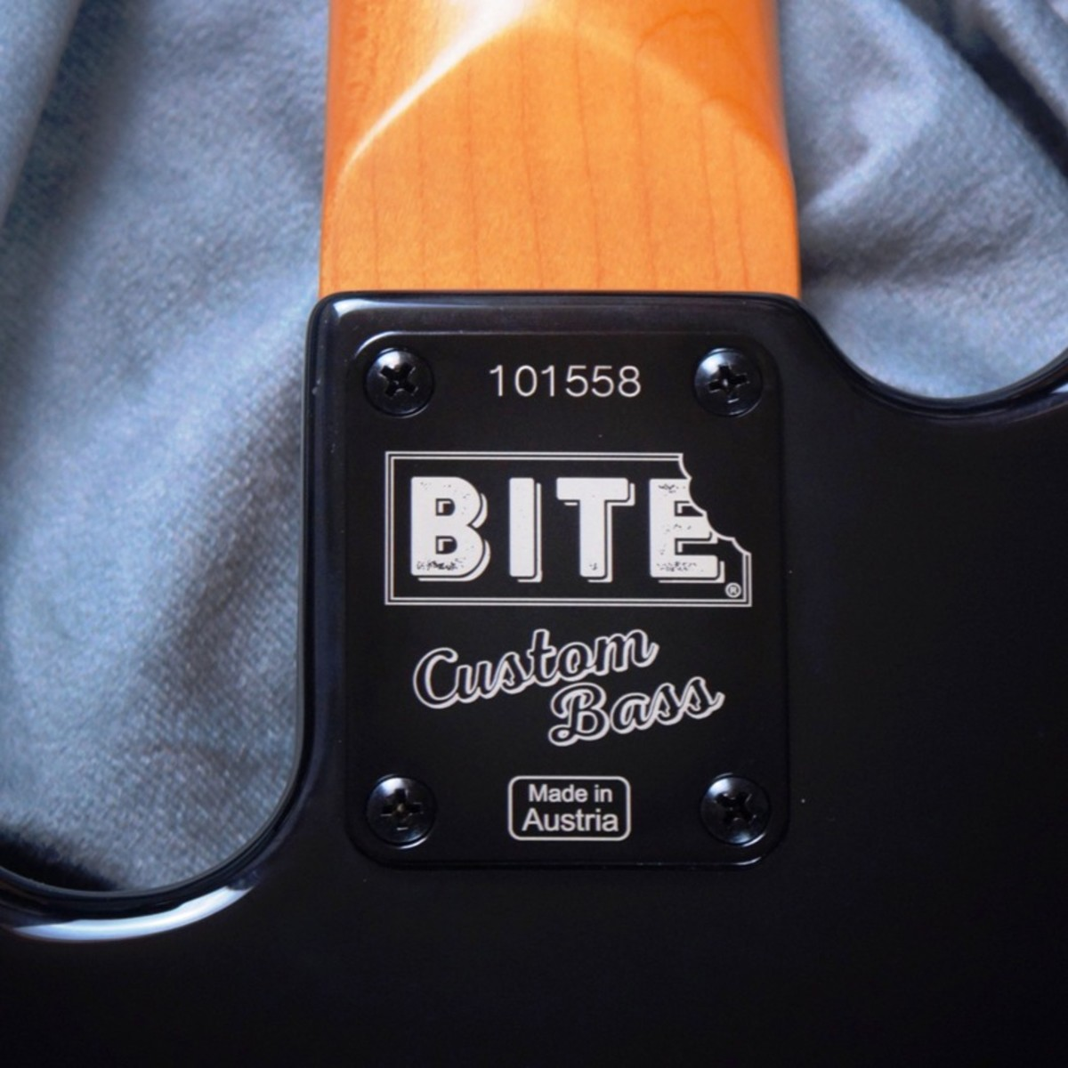 Booster Bass Neck Plate